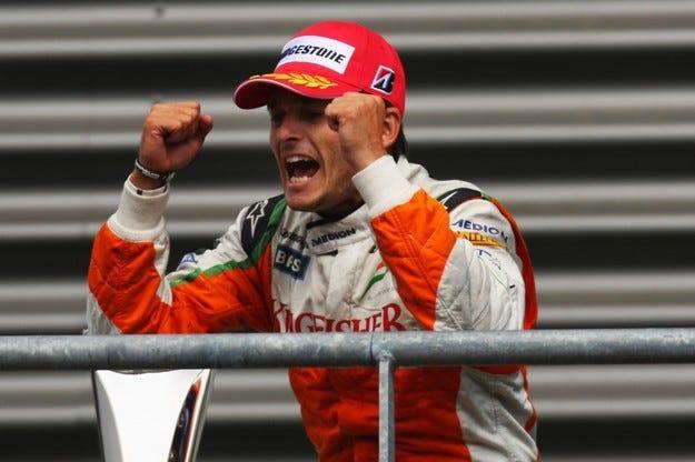 Официално: Фисикела замества Маса във Ferrari