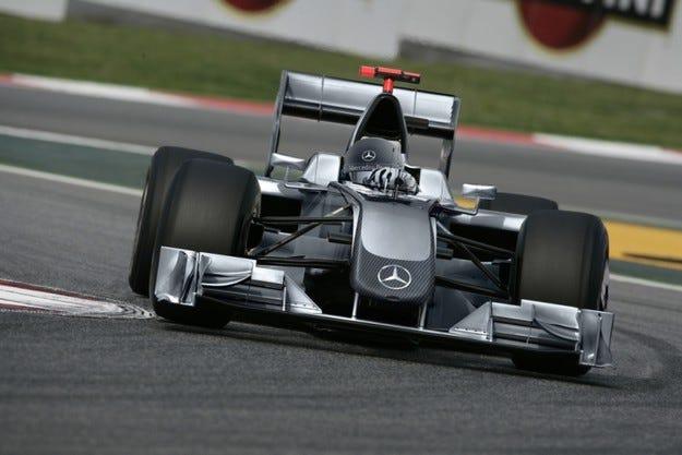 Официално: Mercedes купи Brawn GP