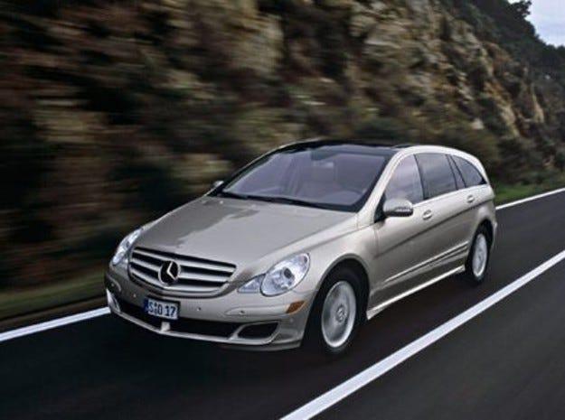 Промени в R-класата на Mercedes-Benz