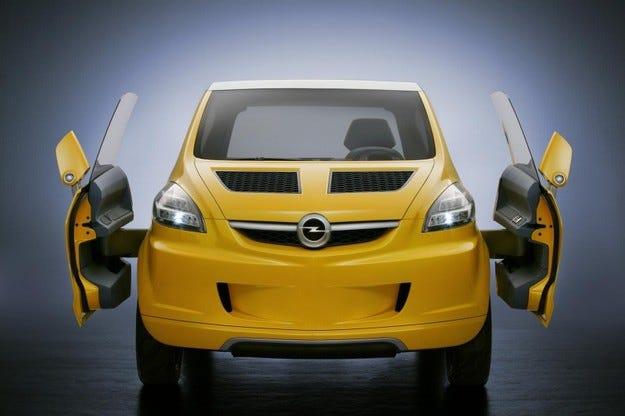 Opel работи върху нов мини модел