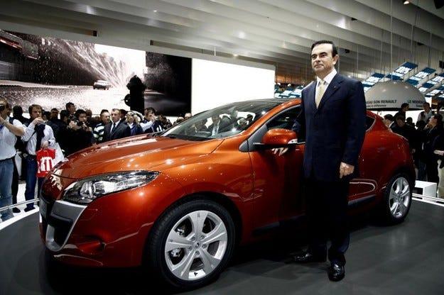 Renault преизбра Карлос Гон
