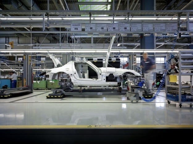 Производството на автомобили скочи с 57%
