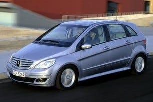Mercedes-Benz USA се двуоми за В-класата
