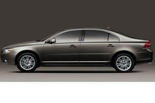 Китайците искат Volvo да атакува седма серия и S-класата