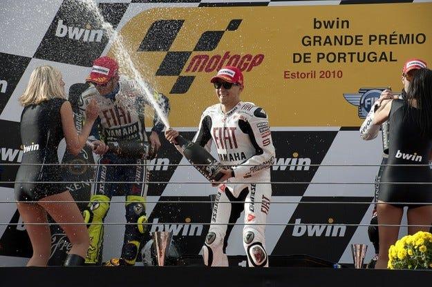 MotoGP: Лоренсо с трета победа на Ещорил и титла за Yamaha