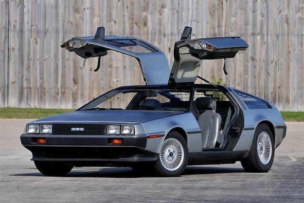 """DeLorean отново ще произвежда """"машина на времето"""""""