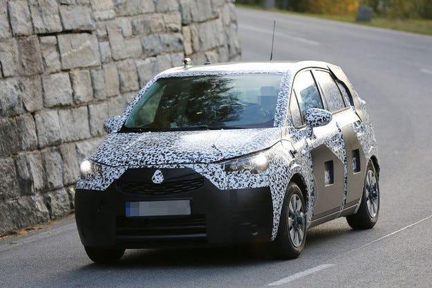 Преобразяване на Opel Meriva: От ван става кросоувър