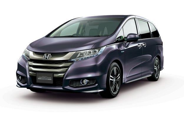 Миниванът Honda Odyssey получи хибридна версия