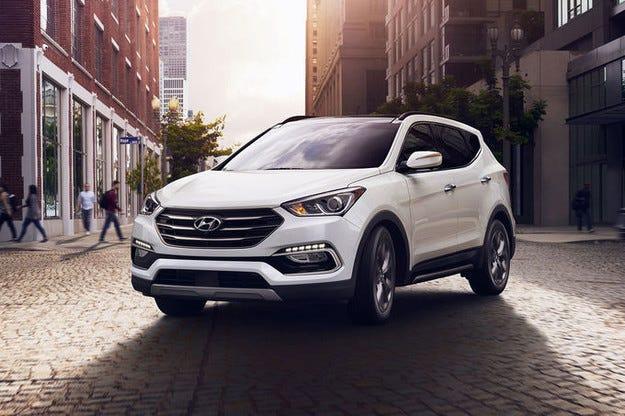 Ново лице за Hyundai Santa Fe: Промени отред и отзад