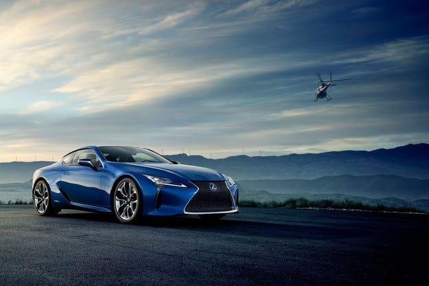 Lexus разкри дизайна на хибридната версия на LC 500