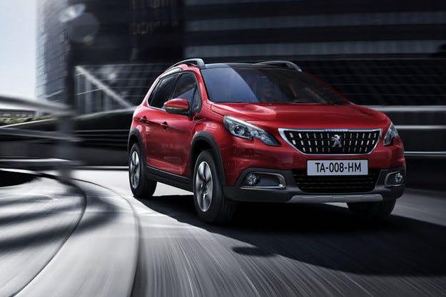 Компанията Peugeot обнови компактния кросоувър 2008