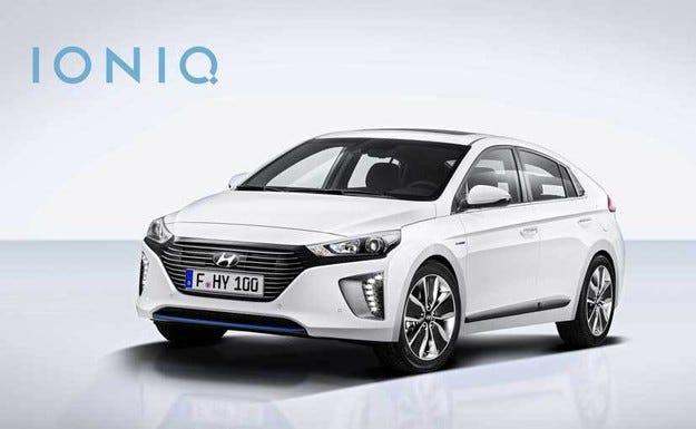 Напълно новата серия Hyundai IONIQ хит в Женева