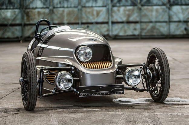 Дебютира Morgan Threewheeler EV3 с електро задвижване