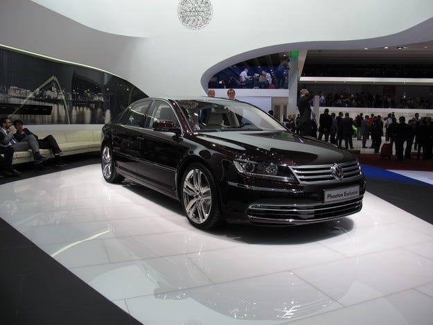 Спряха производството на флагманския Volkswagen Phaeton
