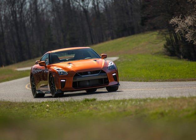 Спортният модел Nissan GT-R с подобрения в пет зони