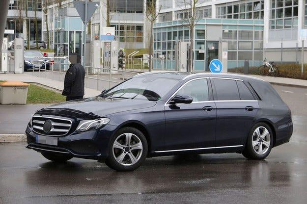 Mercedes E-класа T-модел: Немаскирано комби 2016