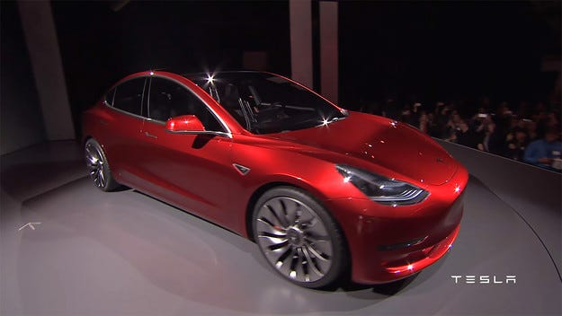 Tesla Model 3: E-автомобилът за 35 000 долара