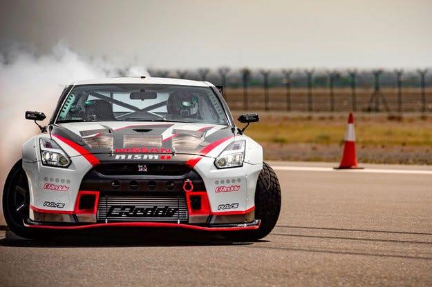Нов световен рекорд за Nissan GT-R с 1400 к.с.