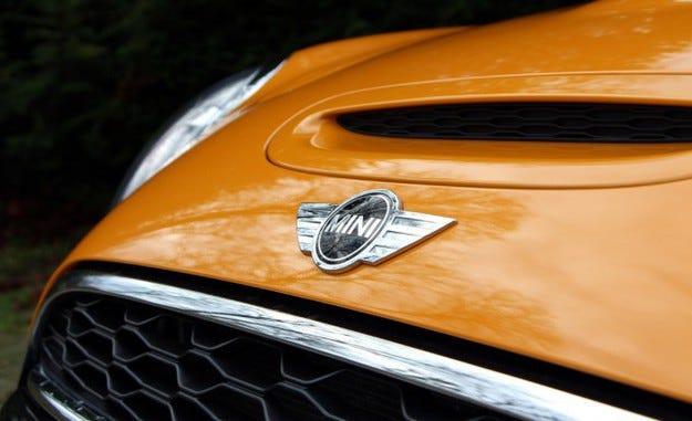 Британската компания Mini ще разработва седан