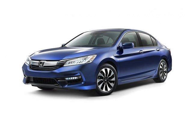 Honda обнови хибридната версия на модела Accord