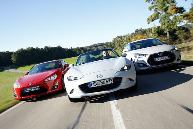 Mazda MX-5 срещу Toyota GT86 и Hyundai Veloster