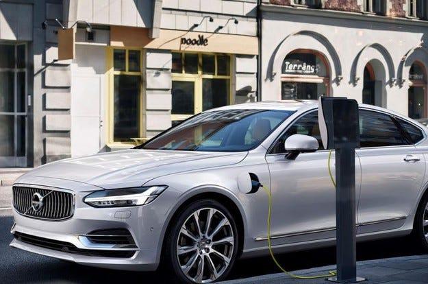 Volvo ще електрифицира 1 милион автомобила до 2025 г.