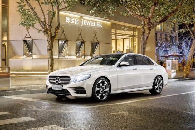 Mercedes-Benz удължи E-класата за китайския пазар