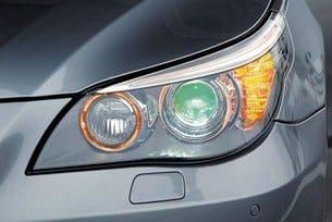 Новите челни светлини на BMW