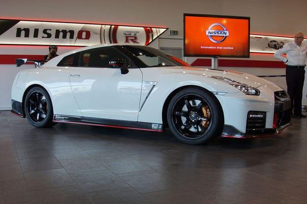 Nissan GT-R Nismo2017: Ъпдейт за супер модела