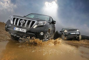 Land Rover Discovery срещу Toyota Land Cruiser