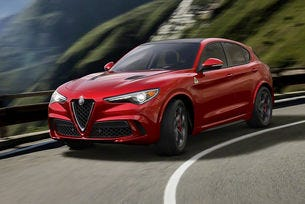 Alfa Romeo разкри първия кросоувър в историята си