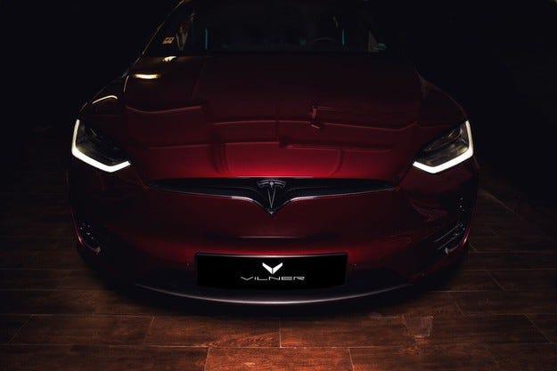 Tesla Model X P90D: Силен финал на Art Studio Vilner