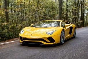 Lamborghini показа Aventador S със 740-конски сили
