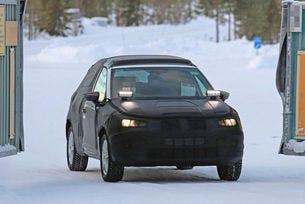 Seat Arona (2017): Мини Ateca уловена като прототип