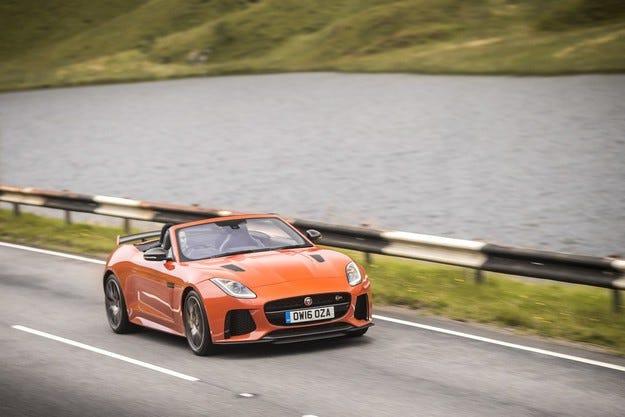 Новият Jaguar F-Type дебютира със свръхмодерни технологии