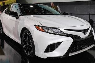 Toyota представи новото поколение Camry
