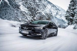 Opel Insignia Grand Sport не се плаши от зимата