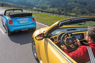 MINI Cabrio срещу VW Beetle Cabrio