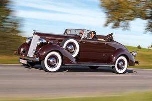 С над 5 метра дължина Packard 120 има впечатляваща осанка – но за марката Packard той бележи навлизането в света на компактните автомобили.