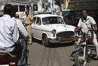 PSA купува индийската марка Ambassador