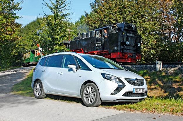 Opel Zafira Tourer 2.0 CDTI Biturbo: Opel, спокойният