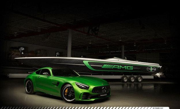 Юбилей: Cigarette Racing Team 50 Marauder AMG