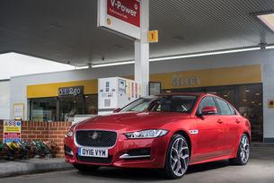 Jaguar и Shell пускат първа в света система за плащане