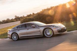 Дебютира новото Porsche Panamera Turbo S E-Hybrid
