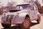 Този Citroën 2CV е кръстосвал Сахара