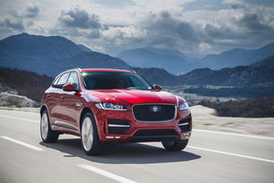 Jaguar F-Pace претендент за два трофея от Ню Йорк