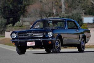 Обявиха на търг първия Ford Mustang на света