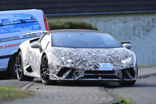 Тестват Lamborghini Huracan Spyder Performante