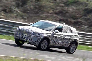 Кросоувърът Jaguar E-Pace дебютира през лятото