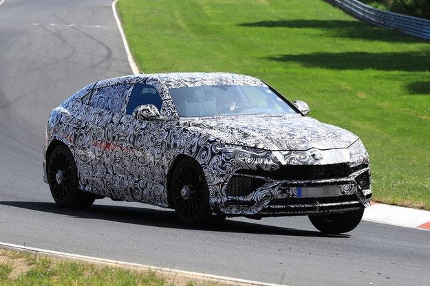 Lamborghini Urus 2018 с битурбо V8 за 180 000 евро